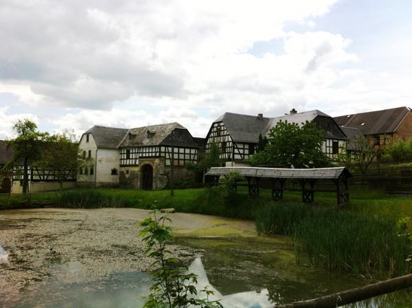 Wunderbares Wanderwetter auf den Weg zum kleinen Bauernmuseum in Nitzschareuth.