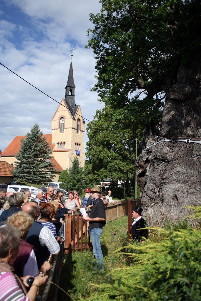 Wanderung auf den Spuren Hans Wilhelm von Thümmels des Museums Burg Posterstein 2016.