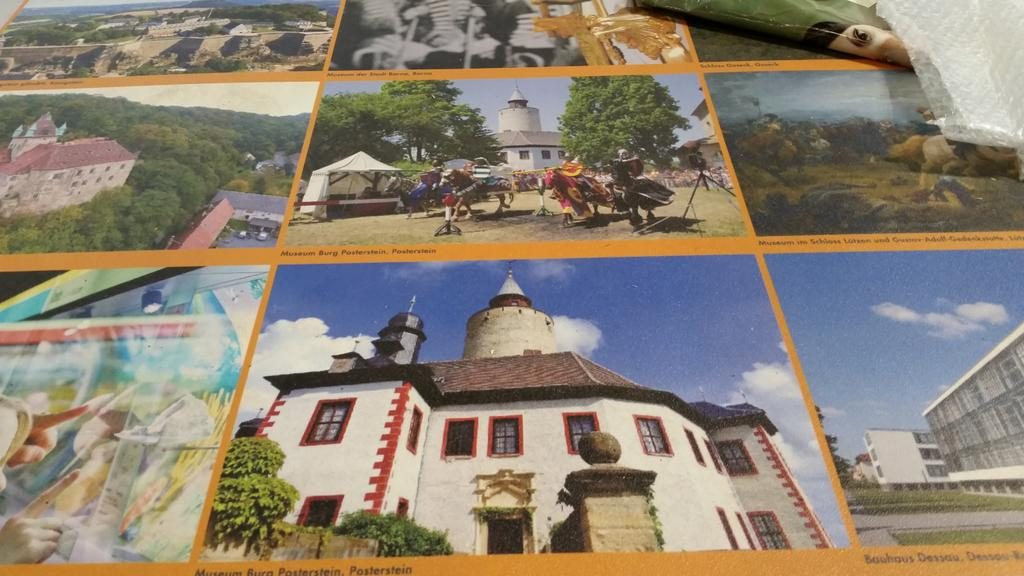 """Den Fußboden der """"Museumswelt"""" zierten die Bilder der teilnehmenden Museen."""