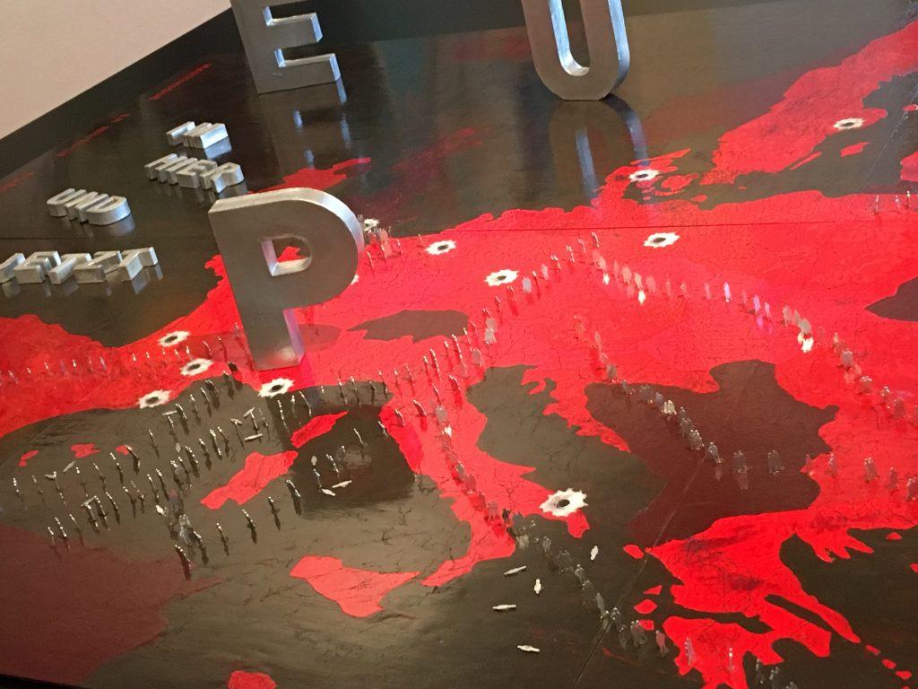"""Das Werk """"Europa"""" von Verok Gnos ist derzeit in der Ausstellung #SalonEuropa im Hier und Jetzt zu sehen."""