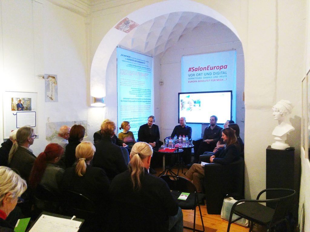 Salonabend in der Ausstellung #SalonEuropa im Museum Burg Posterstein