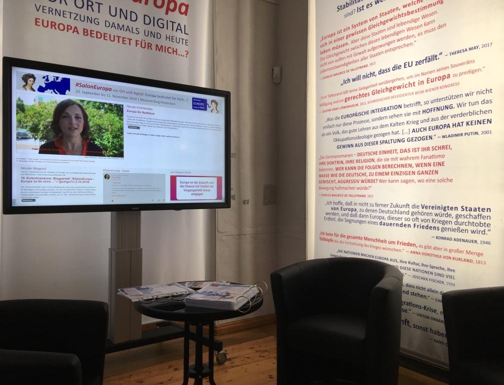 """Die Video-Interviews zum Thema """"Europa bedeutetn für mich...?"""" waren in der Ausstellung und online zu sehen."""