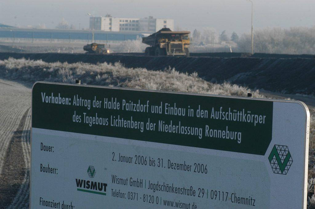 Der Haldentransport von Paitzdorf in den Tagebau Lichtenberg konnte von einer Aussichtsplattform aus beobachtet werden. ©Knut Lechner, um 2006