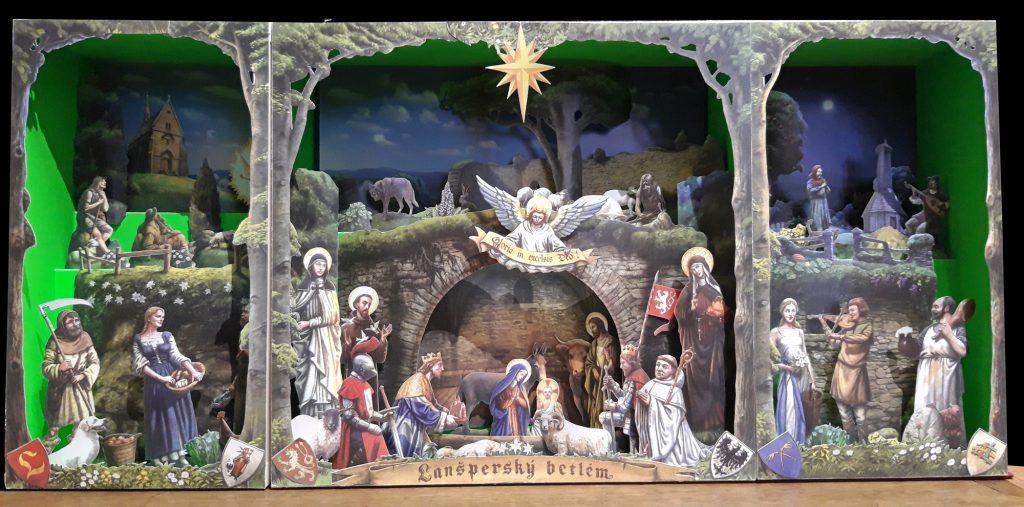 """Diese Papierkrippe von Adolf Lachmann und Radim Dusek trägt den Titel """"Lanspersky betlem, Christmas nativity scene"""" und entstand 2011 in Usti nad Orlici."""