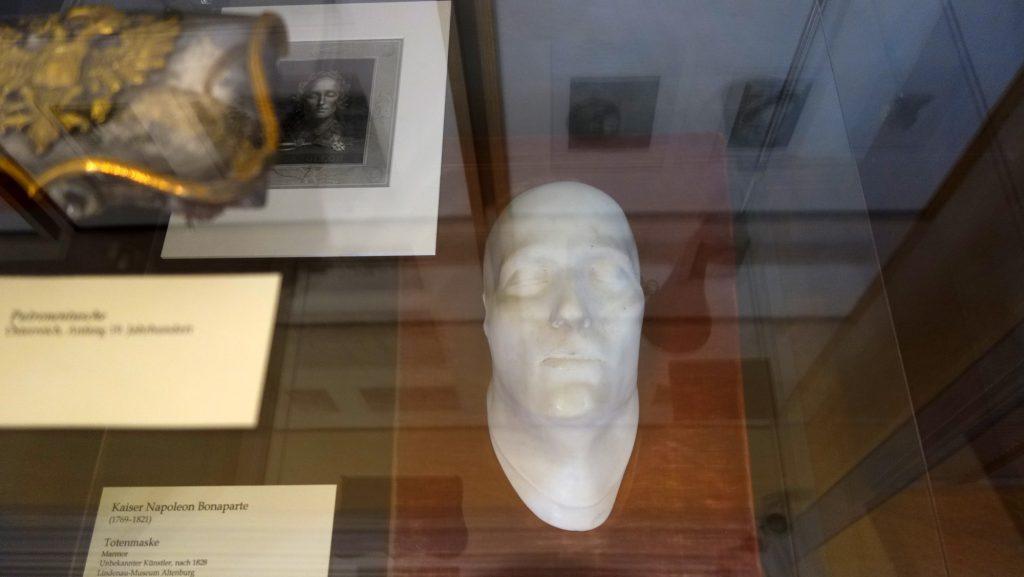 Napoleons Totenmaske in der Ausstellung des Museums Burg Posterstein